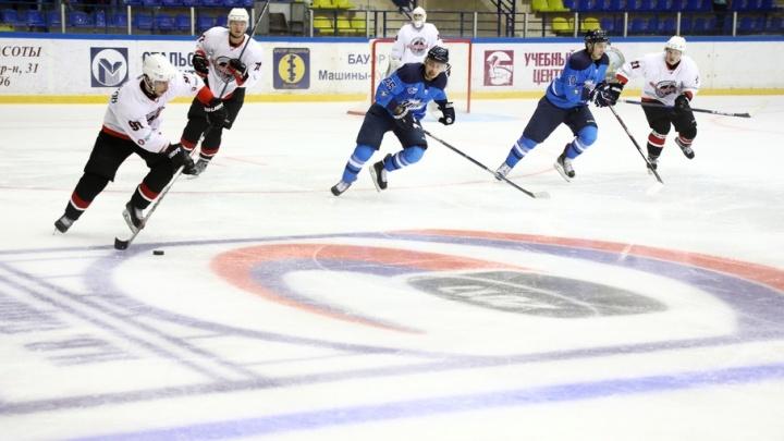 Команда «Зауралье» обыграла «Челмет» на открытии турнира по хоккею имени Николая Парышева