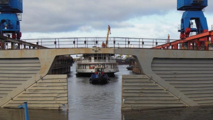 На «Красной Кузнице» начался доковый ремонт парохода-колёсника «Н. В. Гоголь»