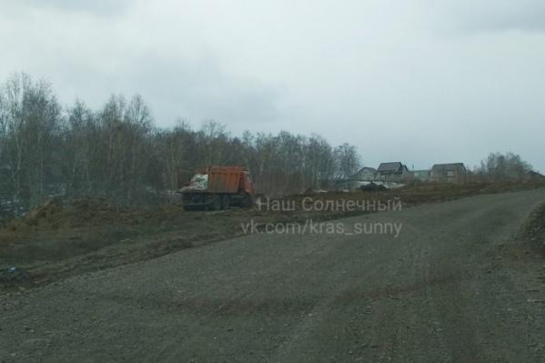 Часть дорог в Солнечном строят гораздо позже заселения домов