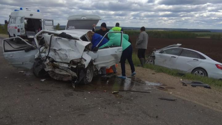 «Машина разлетелась пополам»: под Артями в ДТП пострадали три человека, одна женщина погибла