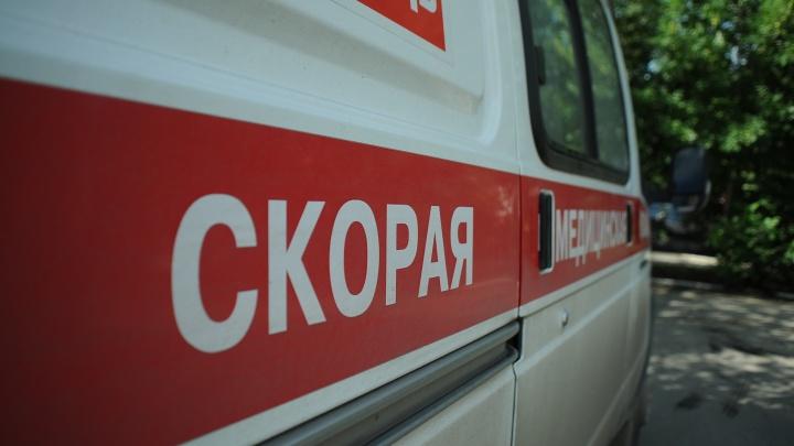 «Пытался вырвать компьютеры, плазму»: мужчина избил жительницу Втузгородка в ее собственной квартире
