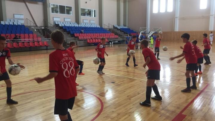 Здесь воспитывают чемпионов: известный футбольный клуб ждет тюменских ребят на занятия