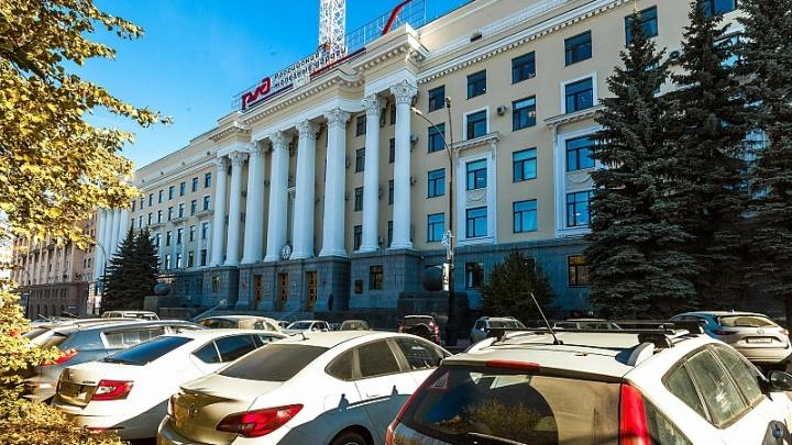 Не в сети: с крыши управления РЖД в Челябинске исчезла вышка связи