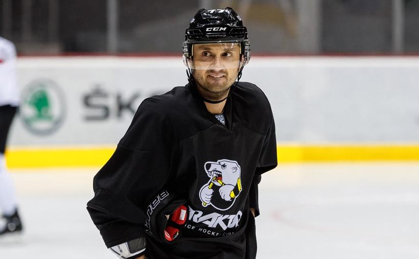 Энвер Лисин играл в девяти сезонах КХЛ, сейчас ему 33 года
