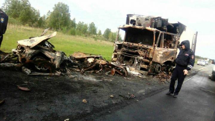 Уронил телефон и устроил ДТП с 3 погибшими: осудили водителя, собравшего машины на тюменской трассе