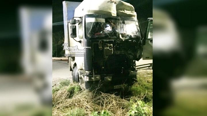 Два грузовика столкнулись ночью в Аксайском районе на трассе М-4