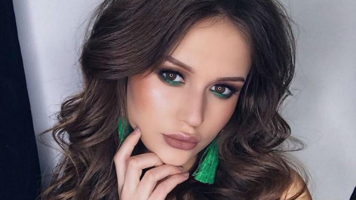 Пишет стихи и садится на шпагат: любуемся второй участницей из Уфы на «Мисс Россия — 2019»