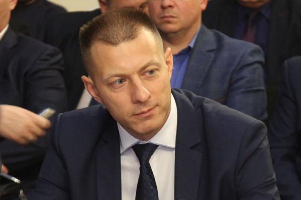 """Юрий Тапилин трудится в департаменте транспорта уже несколько лет. <a href=""""https://63.ru/text/gorod/305155677638656.html"""" target=""""_blank"""" class=""""_"""">Руководителем стал</a> в июле 2017 года"""