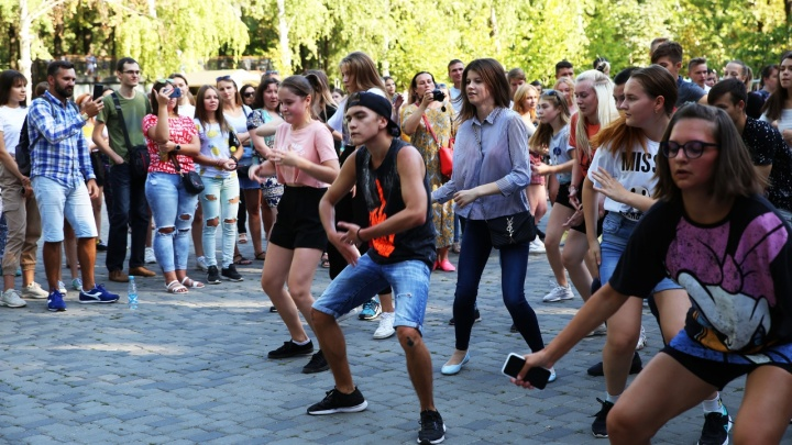 Скатились до пятой строчки: Волгоград остался без звания самого танцевального города России