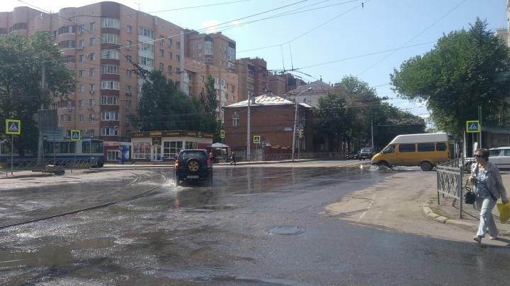 На видео сняли новый «фонтан» на улице Ленина в Уфе