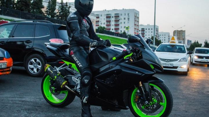 «Вы помогли мне! Я жив»: уфимский мотоциклист, попавший в ДТП, поблагодарил за помощь
