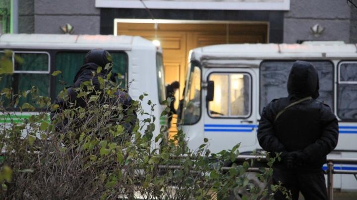 На подростка из Москвы, общавшегося с подозреваемым в архангельском взрыве, завели уголовные дела