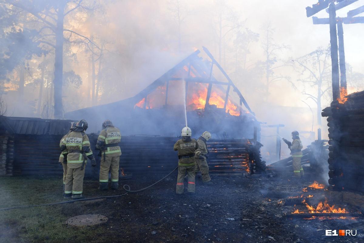 Сейчас сгоревшие помещения восстанавливают