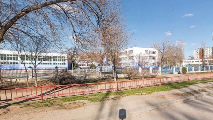 «Пошли в суд после отказа оплатить путевку»: волгоградец за травму дочери взыскал со школы 60 тысяч