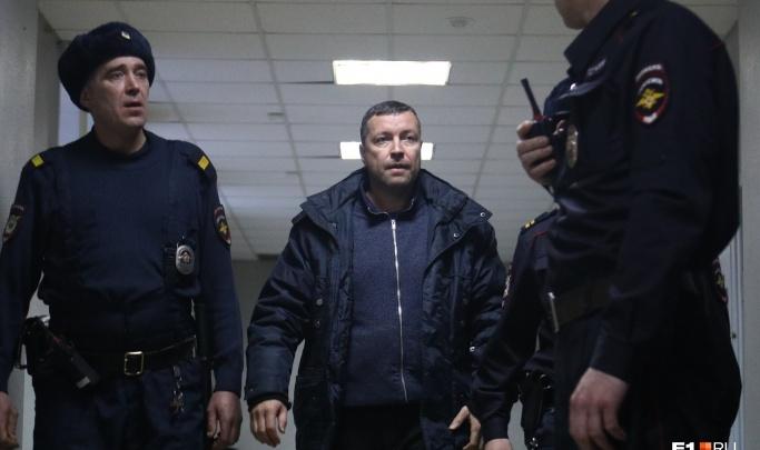 Бывшему замглавы СК области, обвиняемому во взяточничестве, продлили домашний арест
