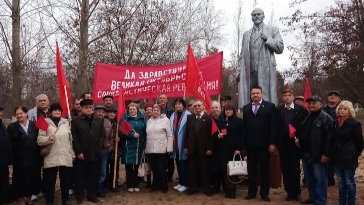 Под Волгоградом открыли памятник Ленину