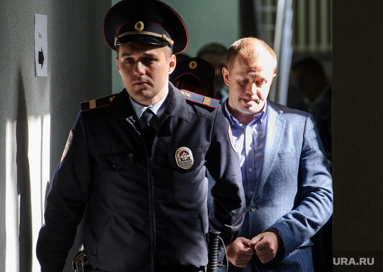 Справа —Алексей Ворлинский