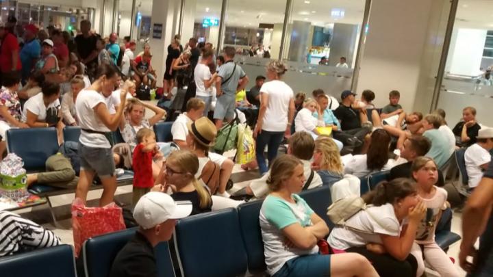 Уральцы застряли в Турции и Екатеринбурге из-за задержки самолетов