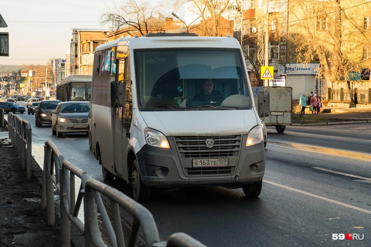Там постоянно появляются нелегальные перевозчики, но их быстро «прикрывают»