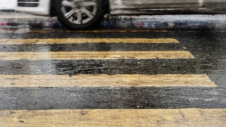 «Вешают знаки после ДТП»: на пешеходном переходе в Чурилово сбили школьницу