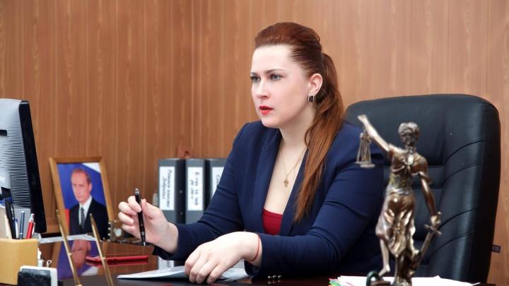 Расплата за «интимные кабинки»: полицейские рассмотрели заявление об оскорблении чиновницы