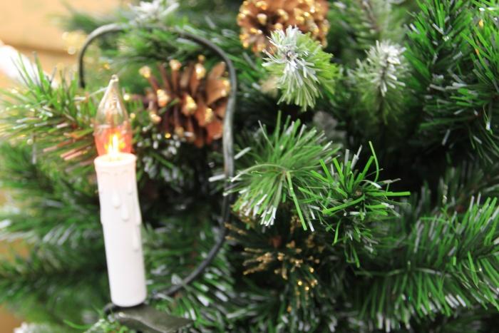В Новогоднем городке появятся двенадцать маленьких искусственных ёлок