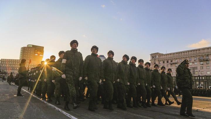 В центре Челябинска прошла первая репетиция парада Победы