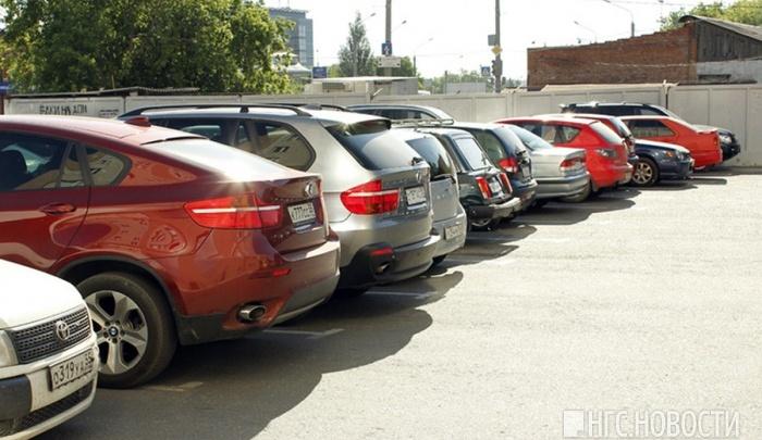 Взамен закрытой парковки у БСМП решили построить парковку на сотни машин