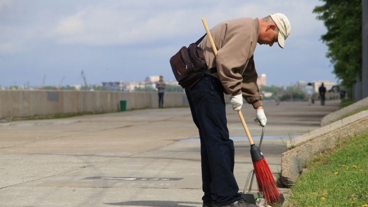 Компания, ответственная за уборку дорог, ждет от архангелогородцев жалоб в свой Viber