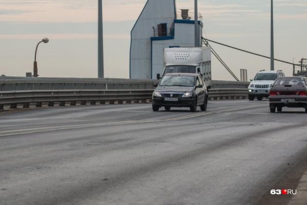 ПСК «Волга» ремонтировала и путепровод «Аврора», который проходит над железнодорожными путями