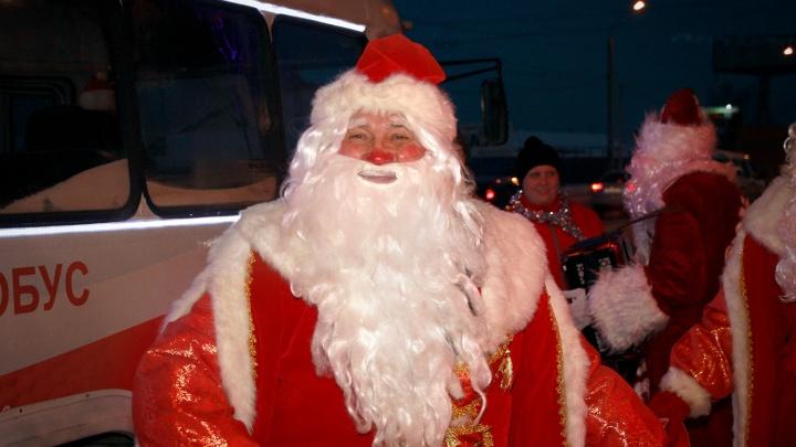 В Омске начали принимать письма для Деда Мороза