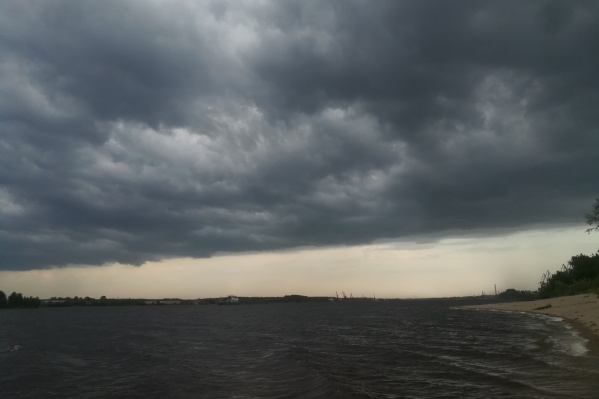 В ближайшие часы на город обрушится ураган