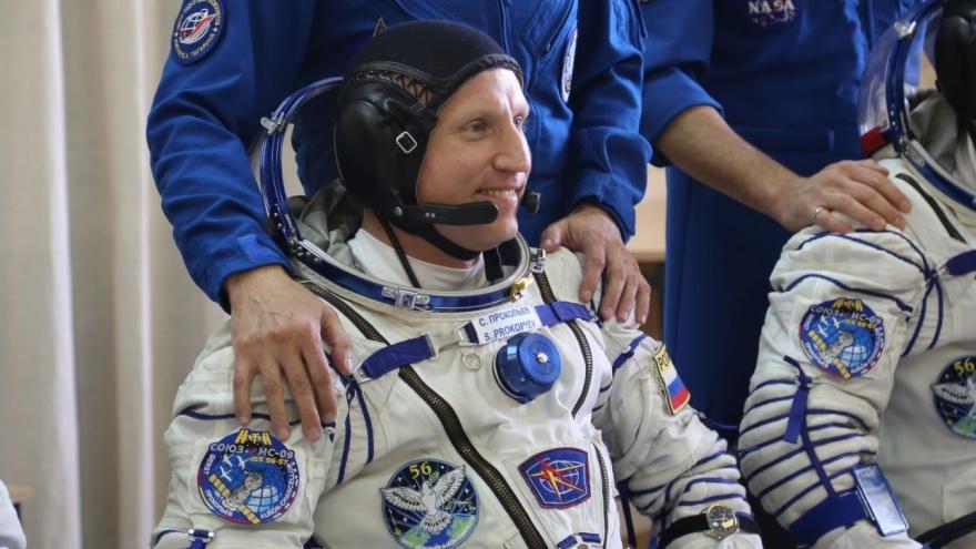 Есть кем гордиться! Единственный екатеринбуржец, побывавший в космосе, получил звание Героя России
