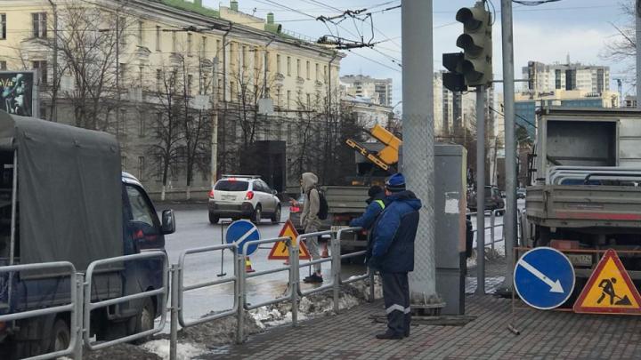Проспект Ленина в Челябинске избавили от серых заборов