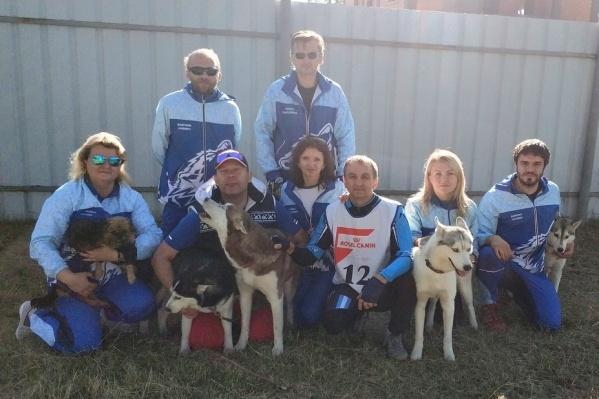 Собаки и их хозяева хотят показать, кто самый быстрый