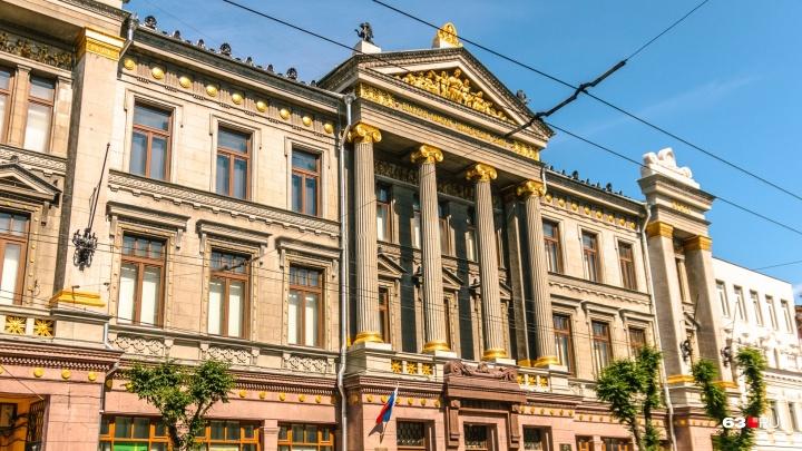 Художественный музей получил коллекцию картин покойного депутата губдумы Олега Дьяченко