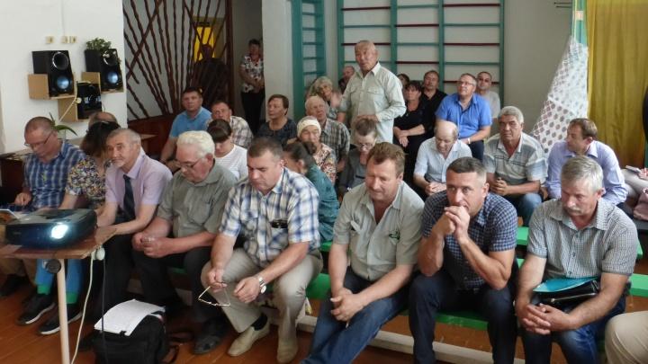 В Звериноголовском районе жители обсудили безопасность первого объекта Добровольного месторождения