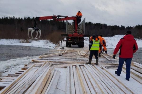 Восстановления моста местные жители ждали три недели