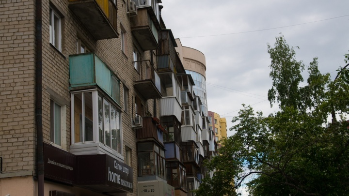 Александр Якоб пообещал, что расстеклять балконы горожане будут только добровольно