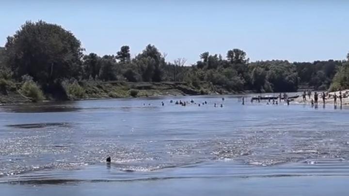Тело отнесло на 400 метров: в Урюпинске похоронили утонувшую 17-летнюю девушку