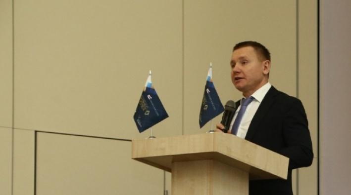 Семейный бизнес: Александр Сиваков досрочно ушёл в отпуск на «Красном Октябре» и устроил своего сына