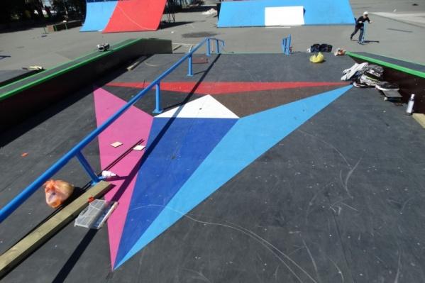 Скейт-парк каждый год меняет дислокацию. У памятника Курчатову его не разрешает ставить прокуратура, а на площади Революции из-за близости к дороге на площадке не нравится кататься самим спортсменам