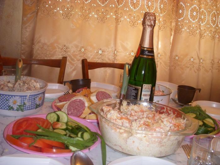 Цены на продукты для праздничного стола поднялись за год на 5%