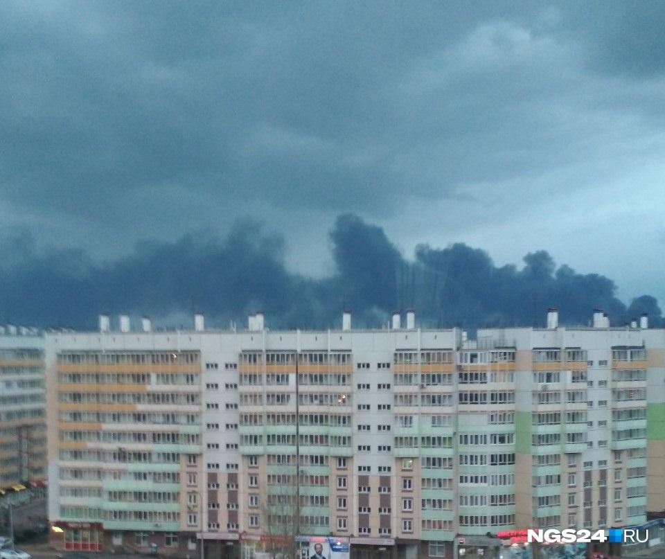 Дым видят даже жители Советского района