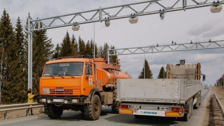 На трассах Прикамья ограничат движение большегрузов в жару