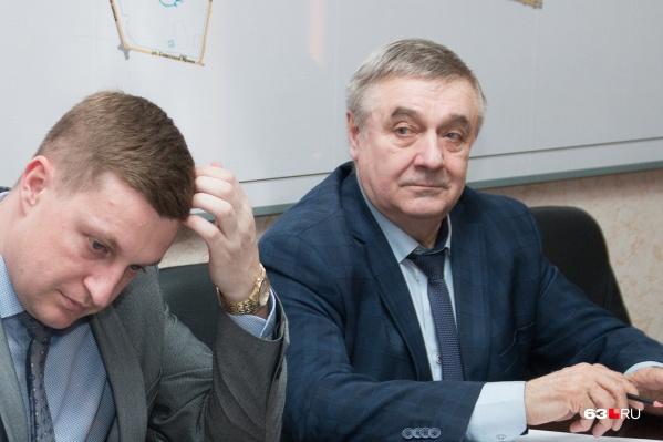 Владимир Чернышков (справа) написал заявление по собственному желанию