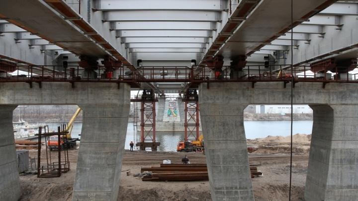 С Фрунзенского моста уберут 18 км телефонных проводов