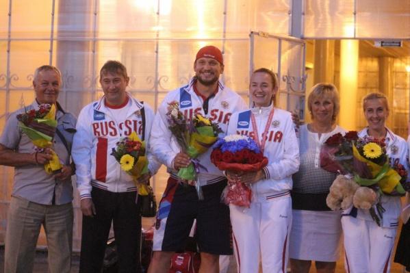 Спортсменов встречали в уфимском аэропорту как героев