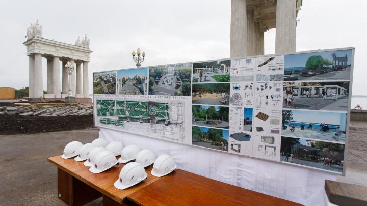 Центральной набережной Волгограда пообещали новый гранит, второй фонтан и сцену для лазер-шоу