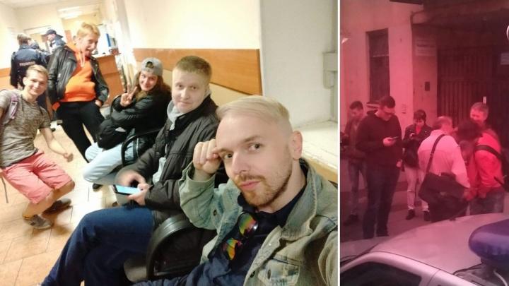 Тюменский ЛГБТ-активист попал в полицию во время акции в Санкт-Петербурге